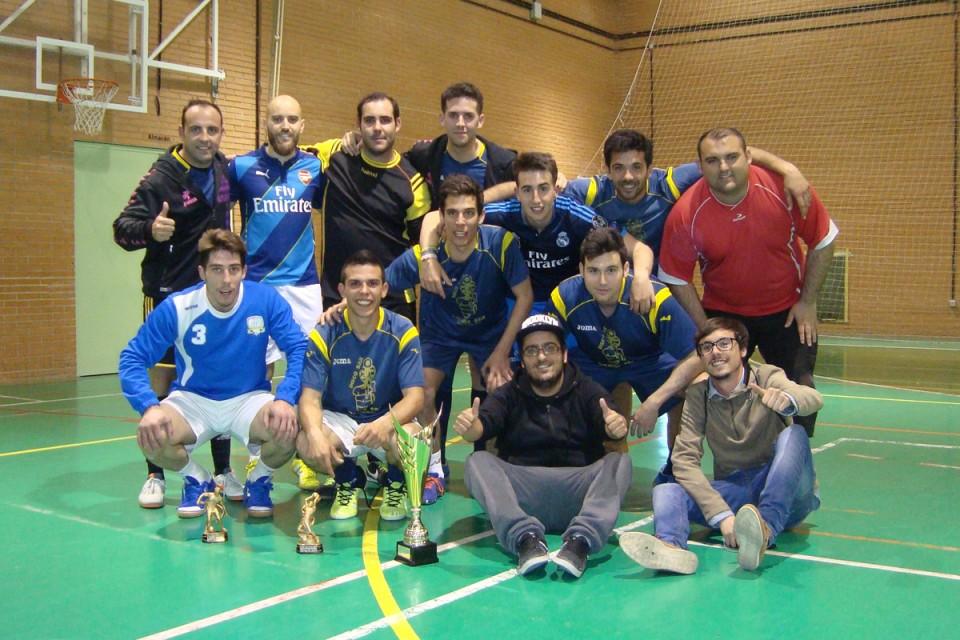 El trofeo de liga local de fútbol sala de Torralba de Calatrava se queda en casa