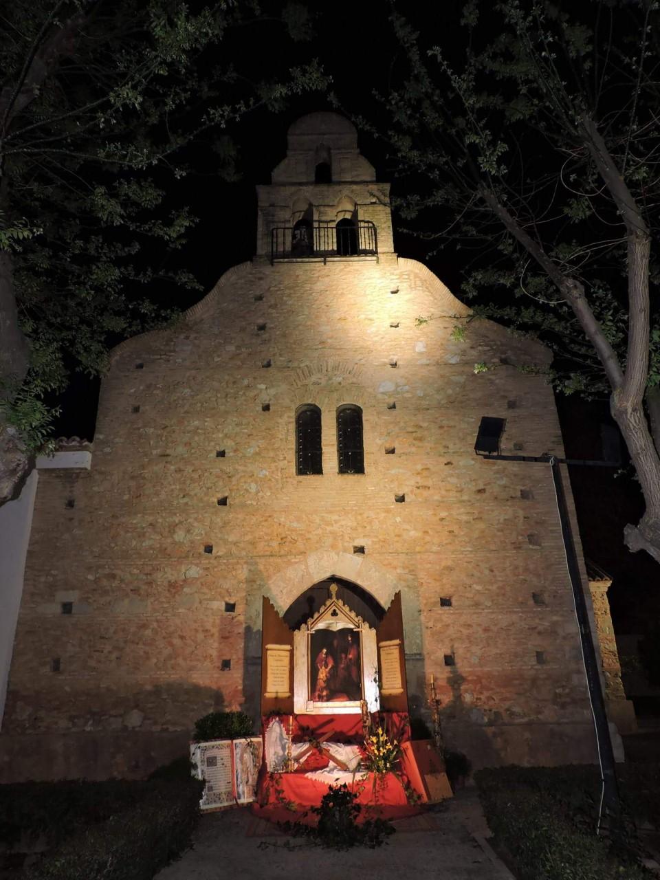 Las tradicionales cruces de mayo engalanan Torralba de Calatrava