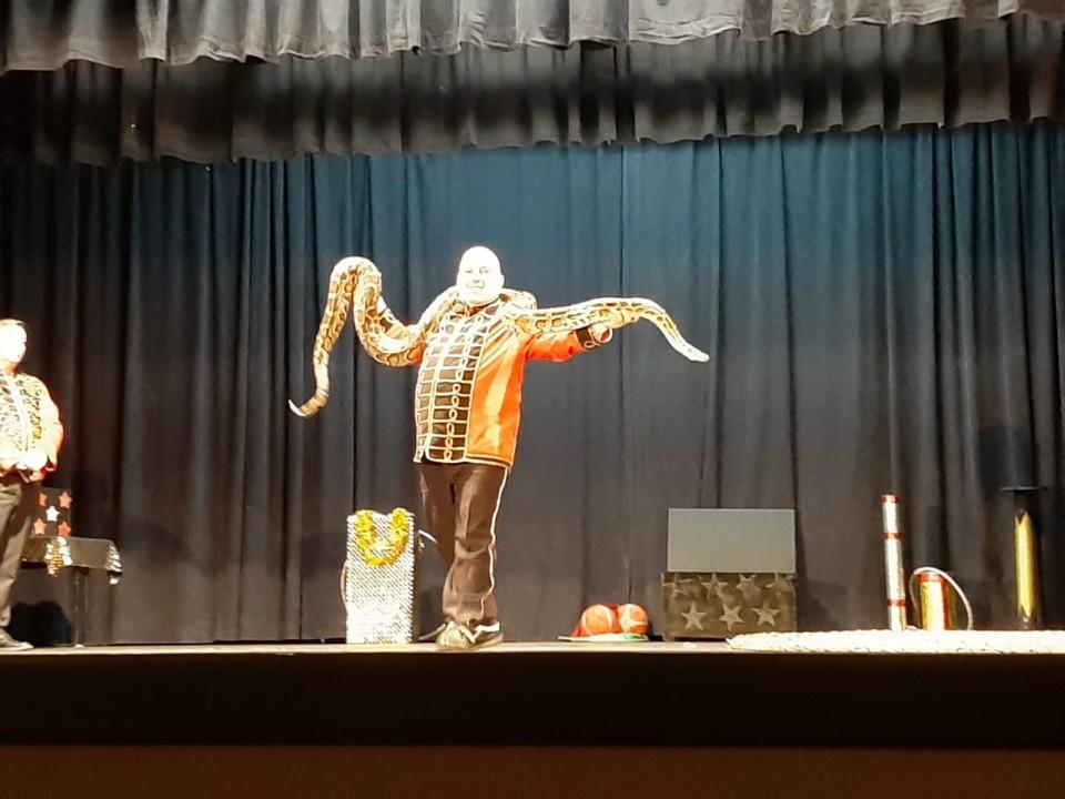 Los niños torralbeños disfrutaron con la magia del circo